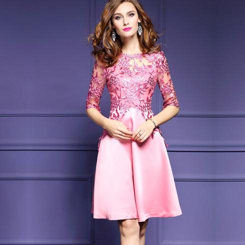 Qanzhui女装-粉色连衣款