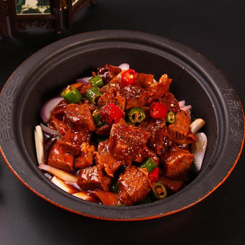 九品太煲铁煲饭-黑椒煲牛腩