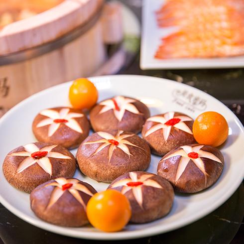 美食密码木桶滋滋锅-新鲜香菇