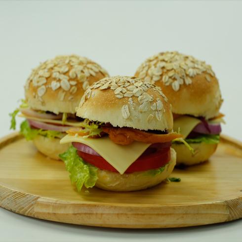 汉堡新语西式快餐-全麦烟熏鸡肉堡