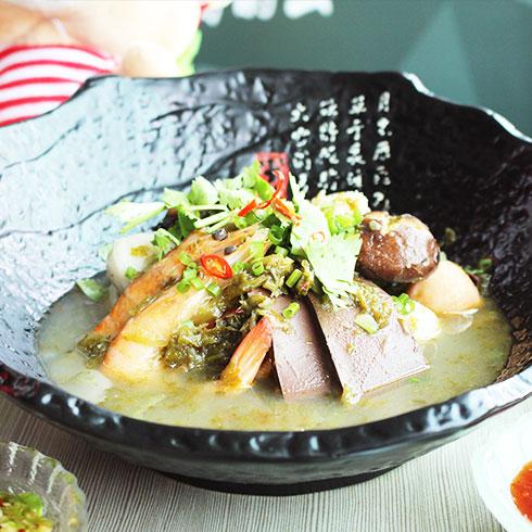 簋鱼锅啵啵鱼快餐-酸菜麻辣烫