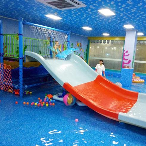 米卡迪亲子乐园-水上滑滑梯