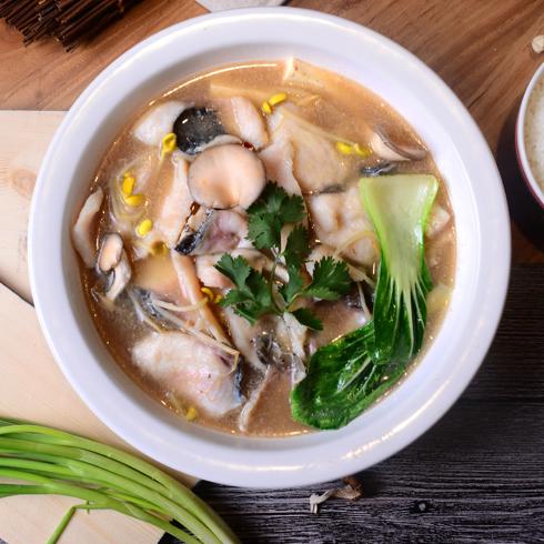 渔遇上鱼藤椒鱼饭-菌菇鱼饭