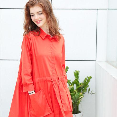 欧米媞女装-红色休闲风衣