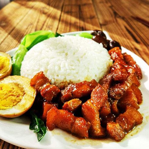 巧仙婆砂锅焖鱼饭快餐-酱香卤肉饭