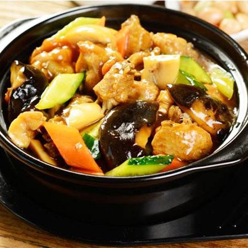 巧仙婆砂锅焖鱼饭快餐-香菇滑鸡