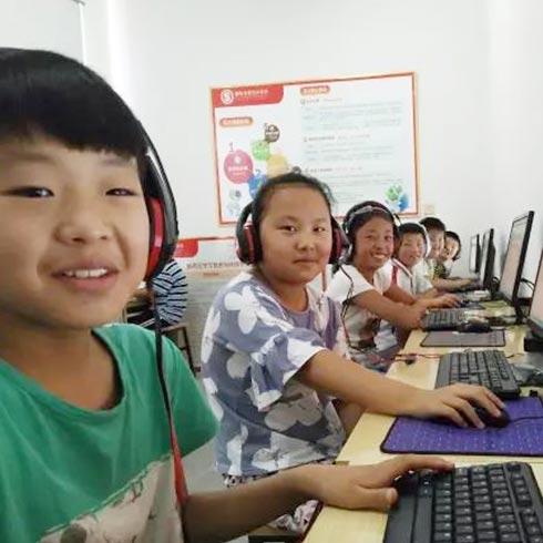 顺势智能英语教育-教室学习场景