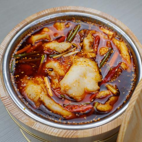 鱼你相伴喷泉鱼火锅-木桶麻辣香水鱼锅