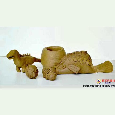 新艺代美术培训-陶艺作品