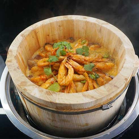 鱼你相伴喷泉鱼火锅-酸辣鲜虾汤