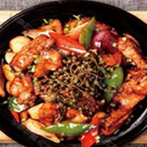 土家寨咕嘟鸡快餐-招牌瓦香鸡