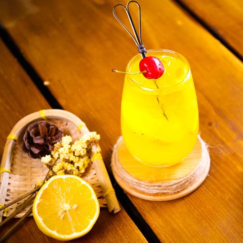 澳食尚煲仔饭-霸气鲜橙汁