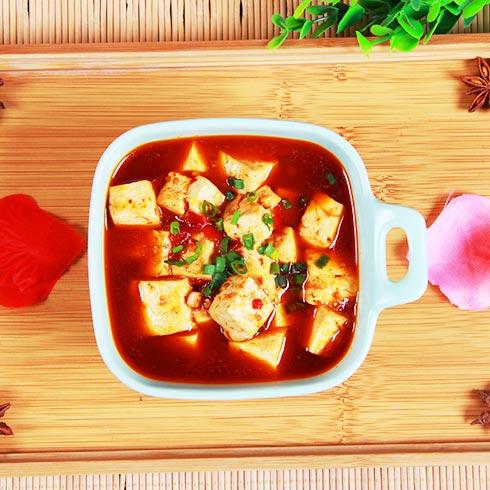 御前十味小碗菜-红汤豆腐