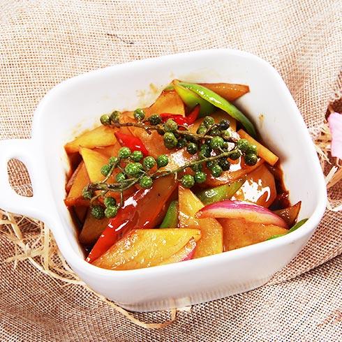 御前十味小碗菜-红烧土豆