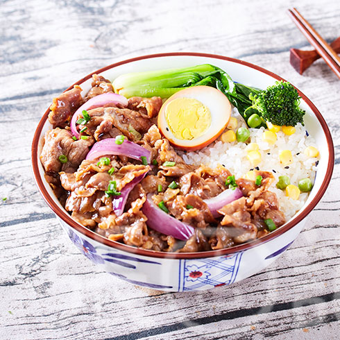 张吉记砂锅饭-洋葱炒肉片饭