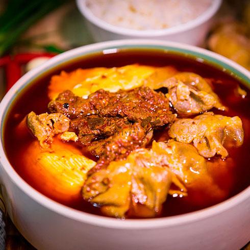 三味一体火锅便当-肥牛肉片