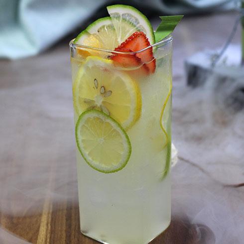 串串婆婆串串香小吃-冰镇柠檬果汁
