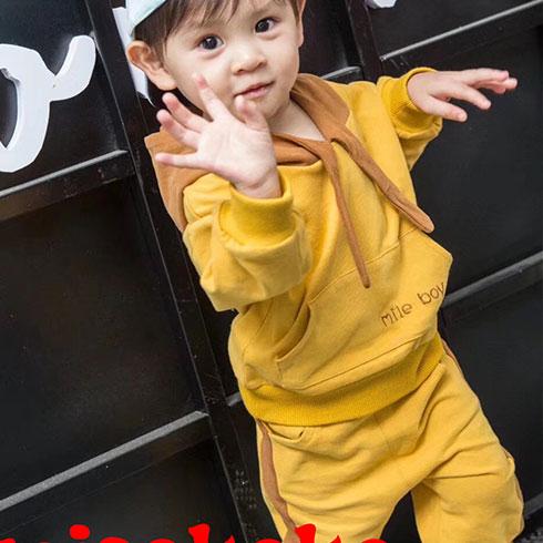 米可童装-休闲带帽套装
