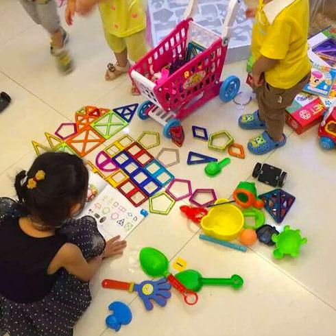 亲亲宝贝母婴用品店-儿童益智主题乐园
