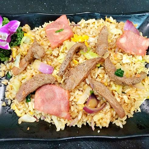 龙门铁板海鲜炒饭-培根牛柳炒饭