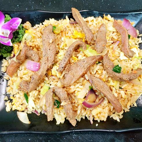龙门铁板海鲜炒饭-黑椒牛柳炒饭
