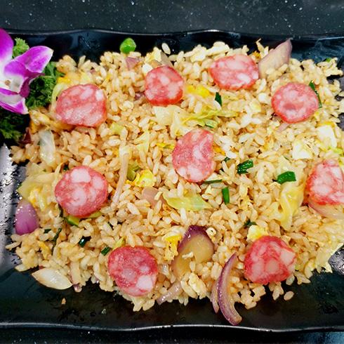 龙门铁板海鲜炒饭-腊肠炒饭