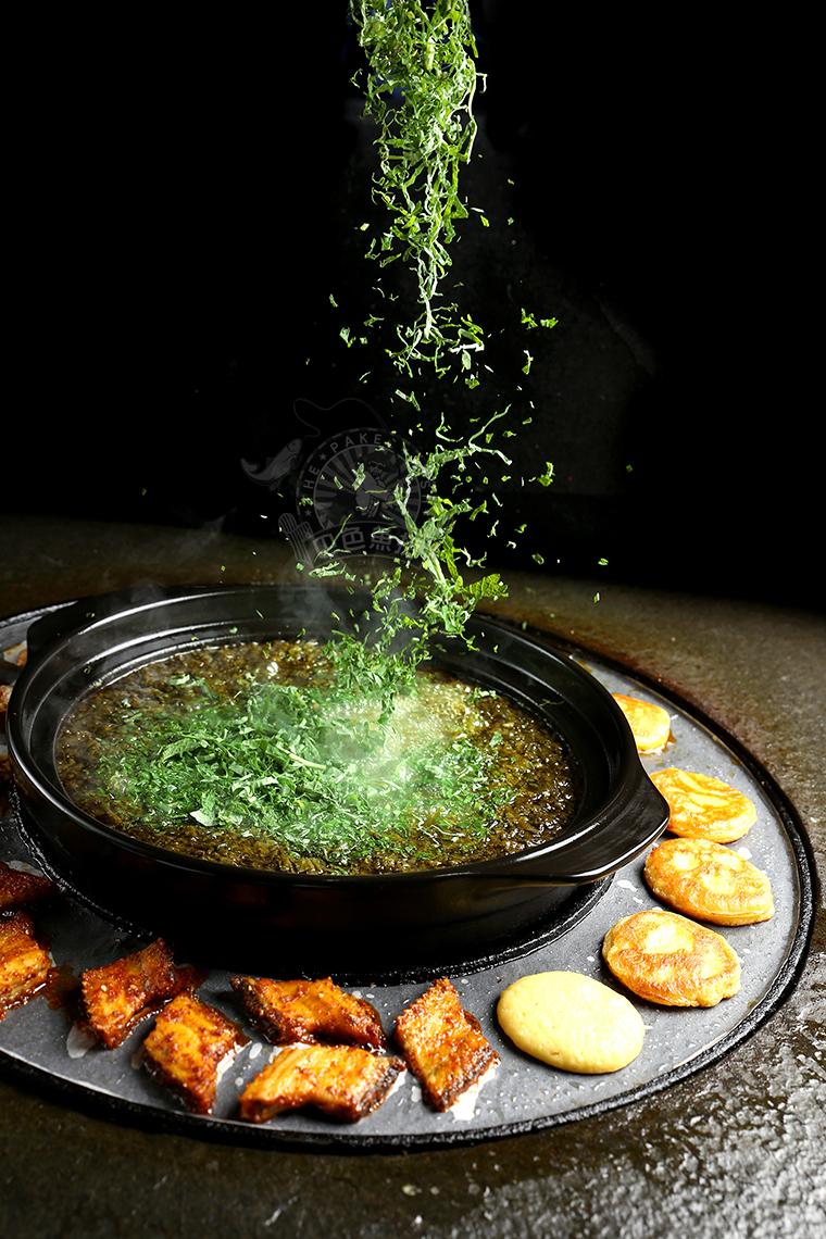 巴色鱼捞火锅-烤玉米馍