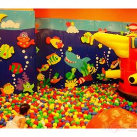 海洋充气球池