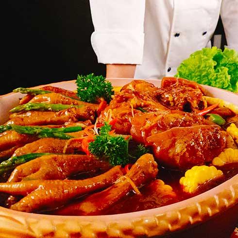 稻禾香品5秒吃鱼-麻辣鸡爪猪蹄锅