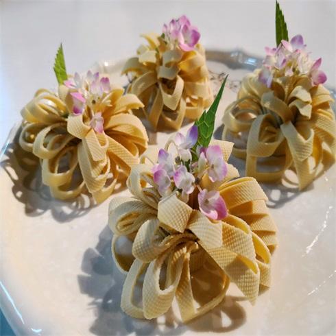 腩潮鲜牛腩火锅-鲜花豆皮