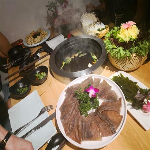 腩潮鲜牛腩火锅-精品毛肚