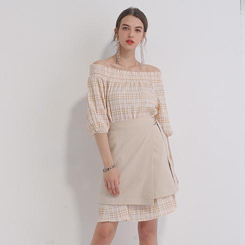 艾丽哲女装-褶皱露肩格子连衣裙