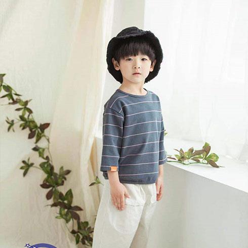 快乐精灵童装-灰格针织衫