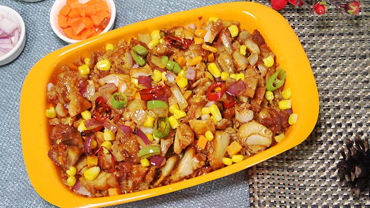 小饭桶-敖包鸡腿焖肉饭
