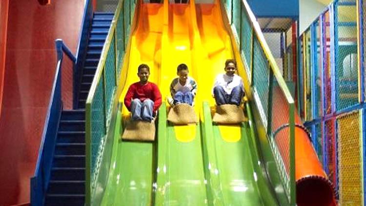 淘嘻乐运动乐园-旱地大滑梯