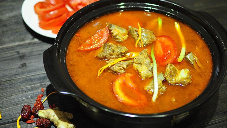 巴人媳妇七品汤煲馆-番茄排骨汤