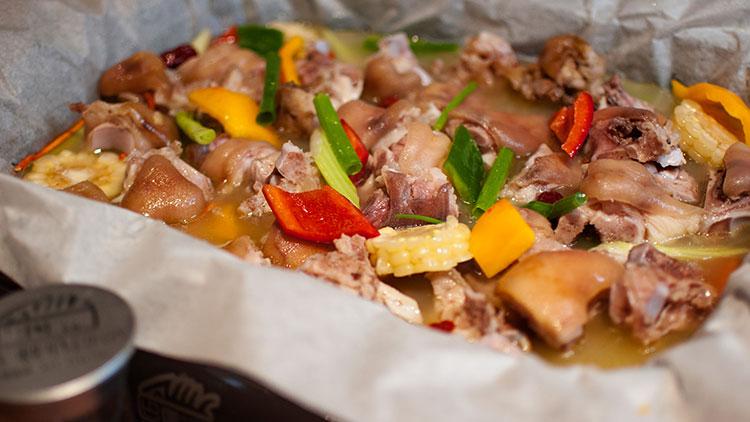 巴国无刺纸包鱼-特色猪蹄汤